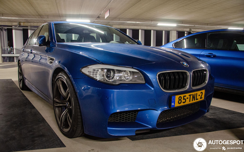 BMW M5 F10 2011