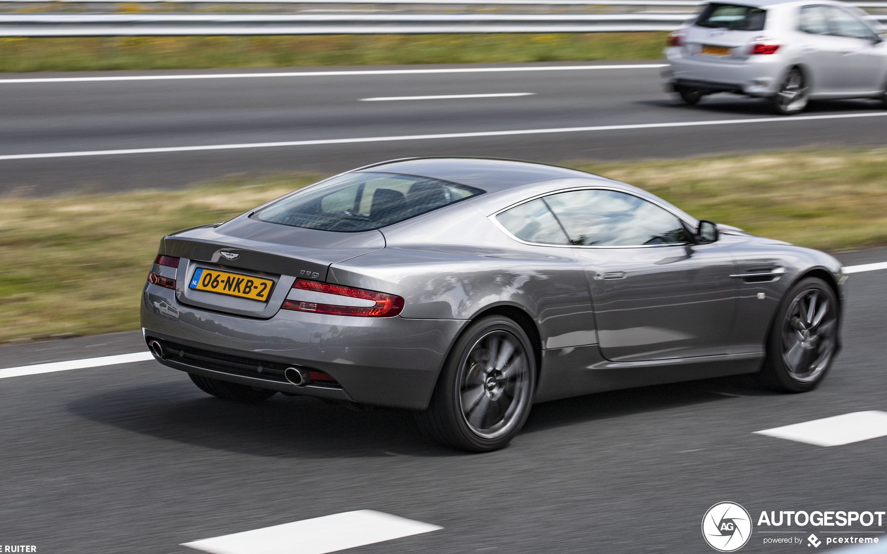 2020 Aston Martin DB9 Concept and Review