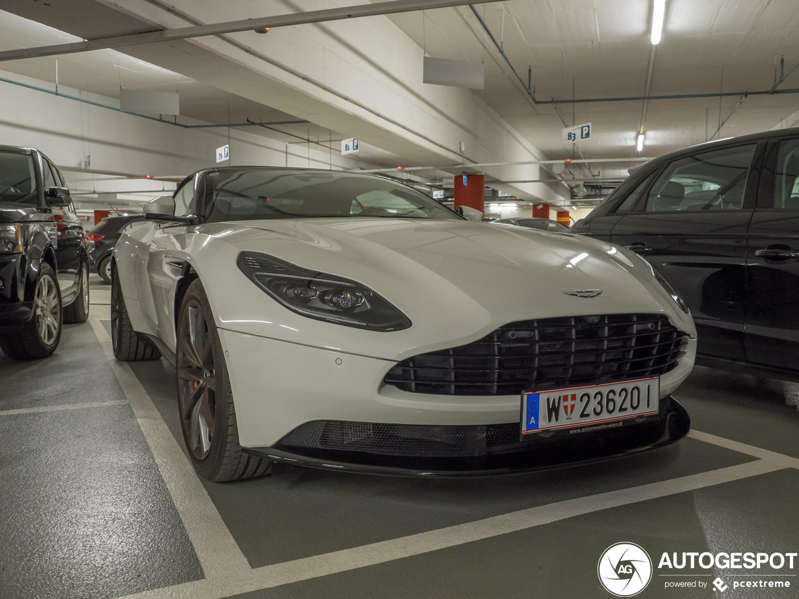 Aston Martin Db11 V8 Volante 19 Januar 2020 Autogespot
