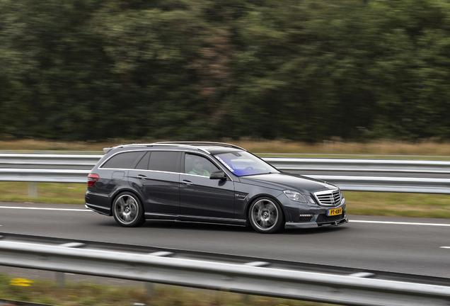 Mercedes-Benz Renntech E 63 AMG S212 V8 Biturbo