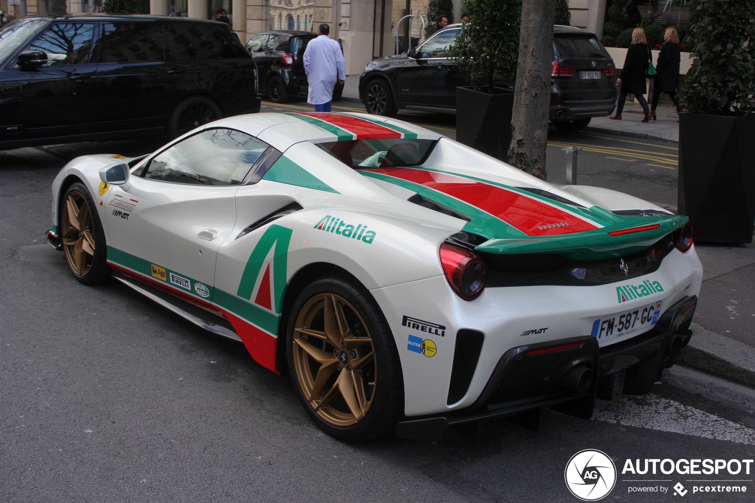 Ferrari 488 Pista Spider sports the Alitalia look