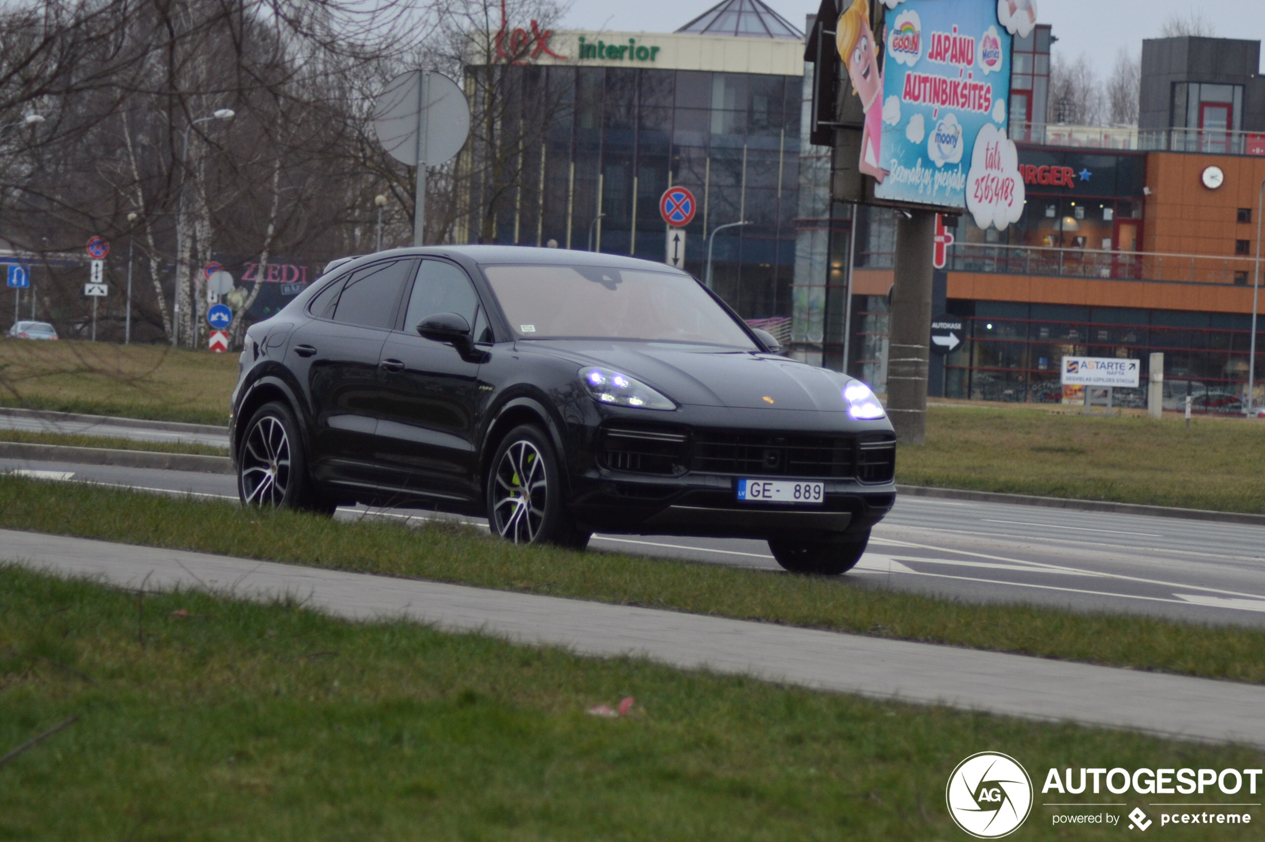 Porsche Cayenne Coupe Turbo S E Hybrid 3 March 2020 Autogespot