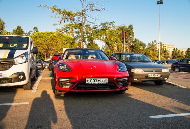 Porsche 971 Panamera Turbo