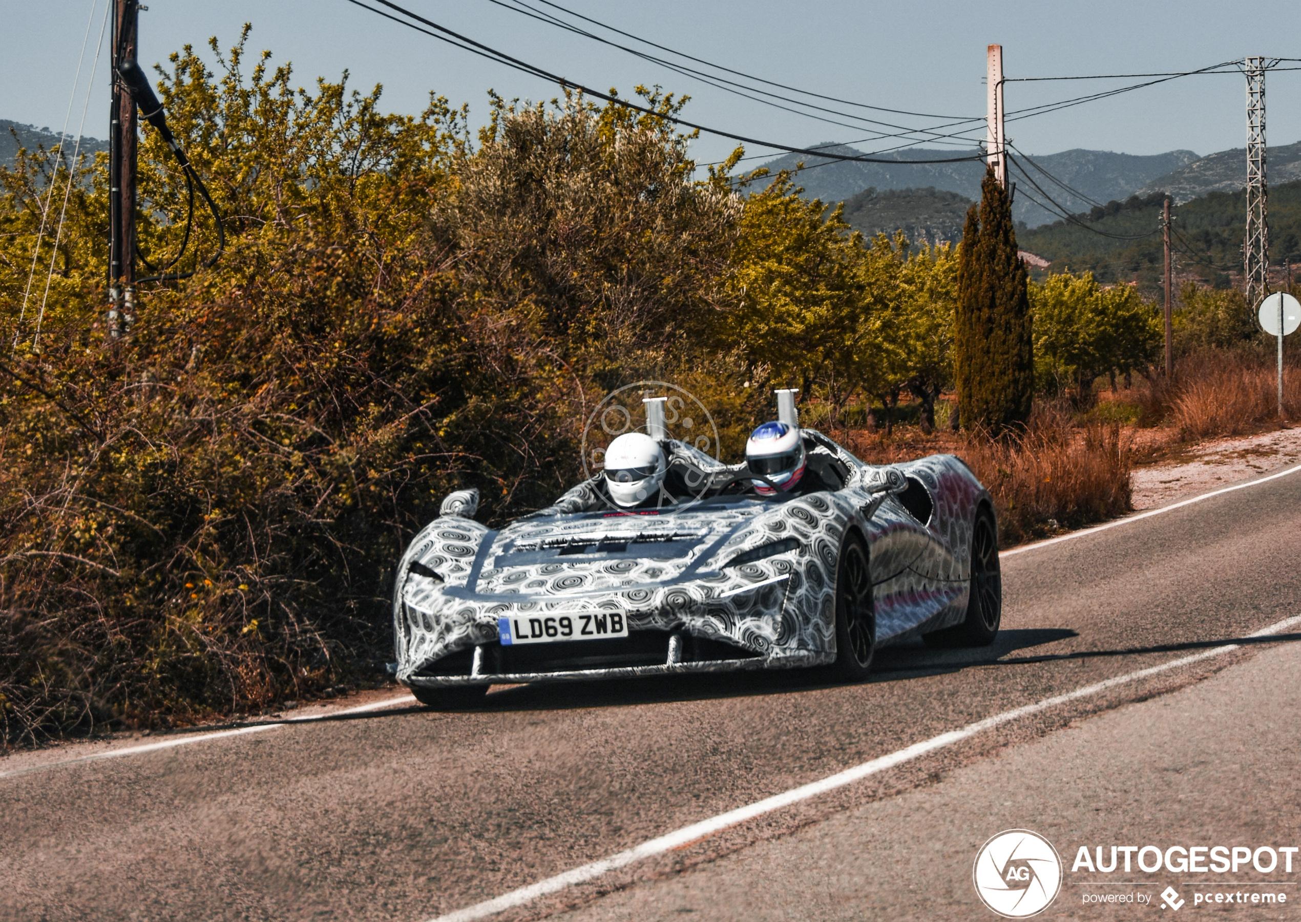 Gespot: pure sensatie in de McLaren Elva