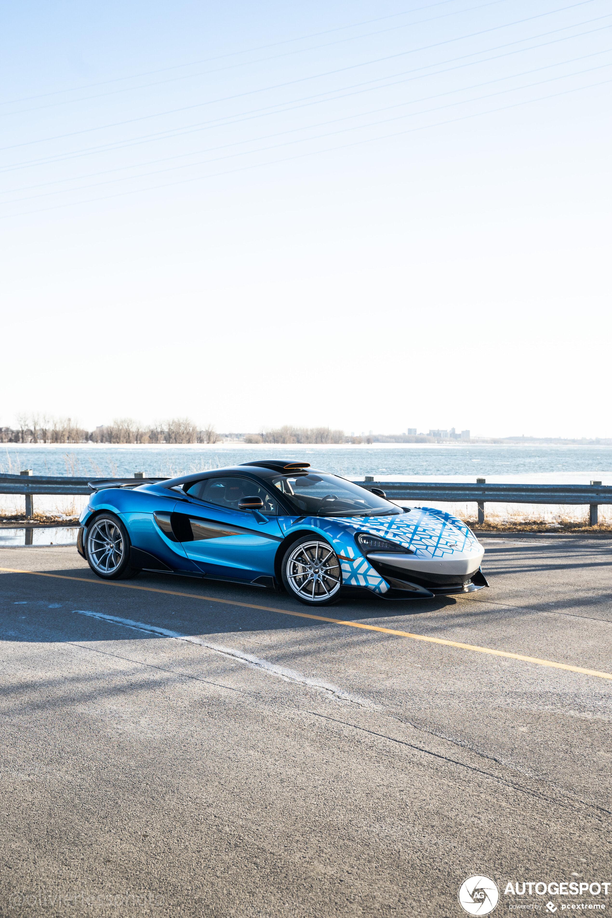 McLaren 600LT MSO Dragon Blue krijg je als je losgaat bij MSO