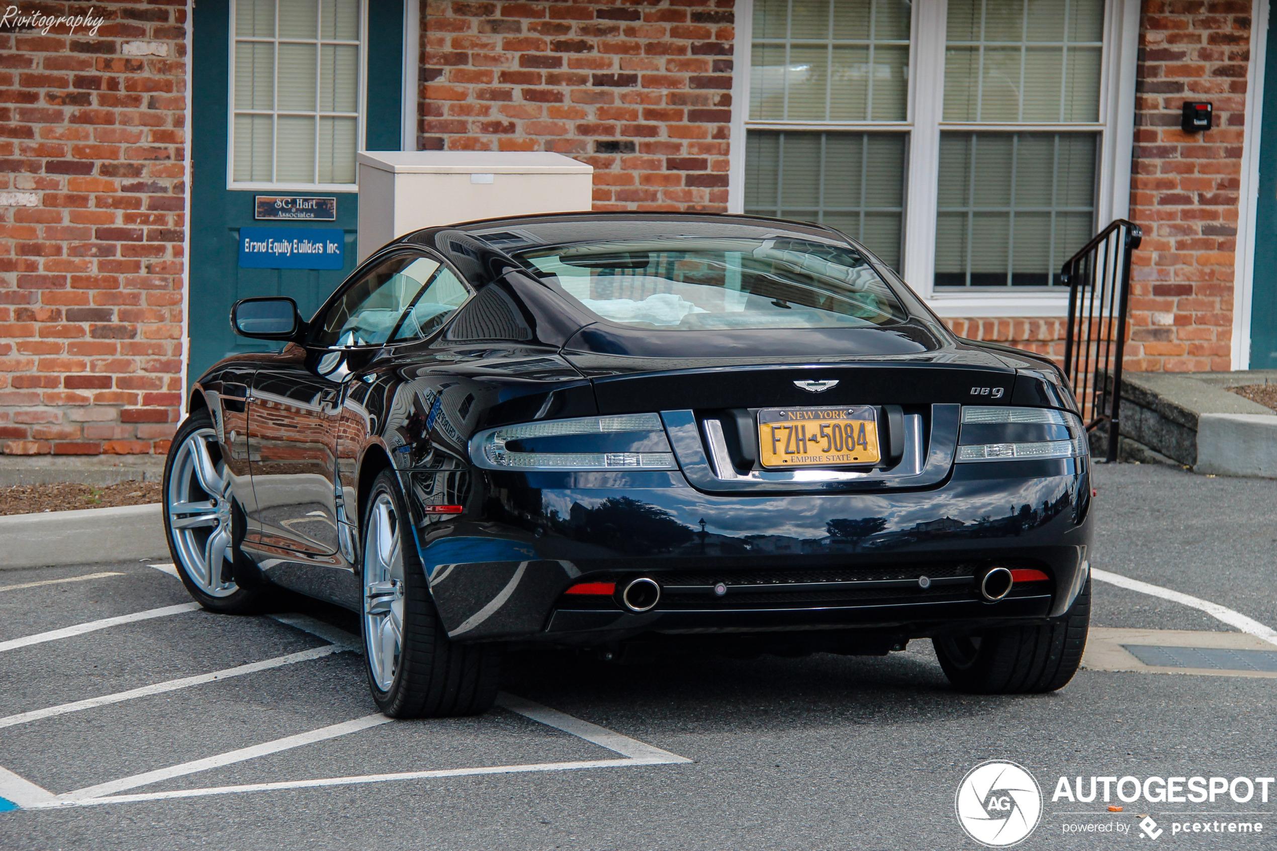 Aston Martin DB9 - 24 maart 2020 - Autogespot