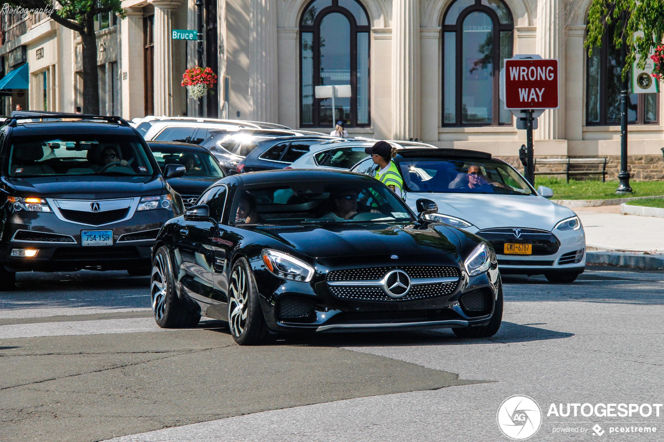 Deze Mercedes-AMG GT S wint zeker niet de schoonheidsprijs
