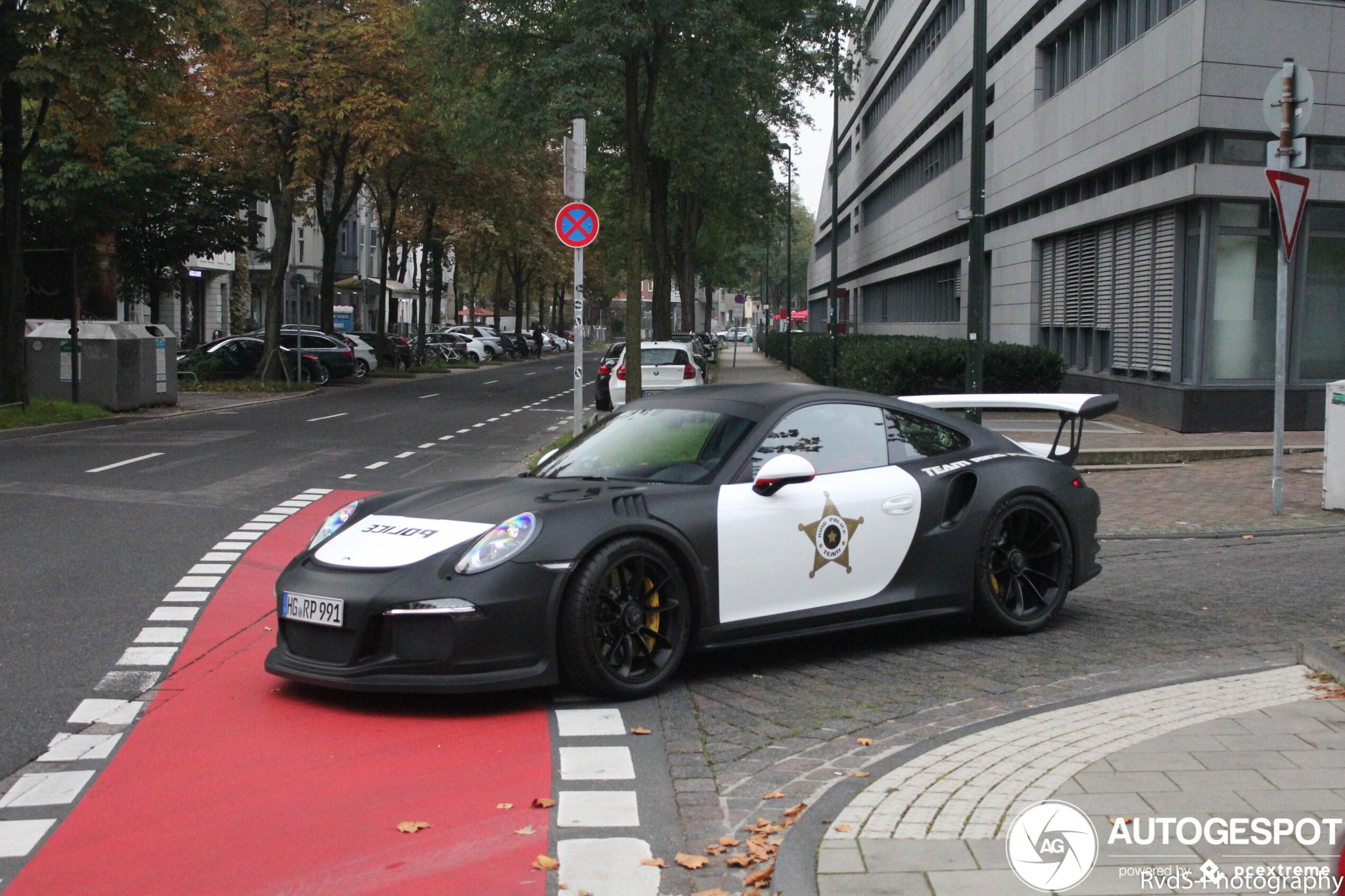 Deze politie hoeft even niet te observeren