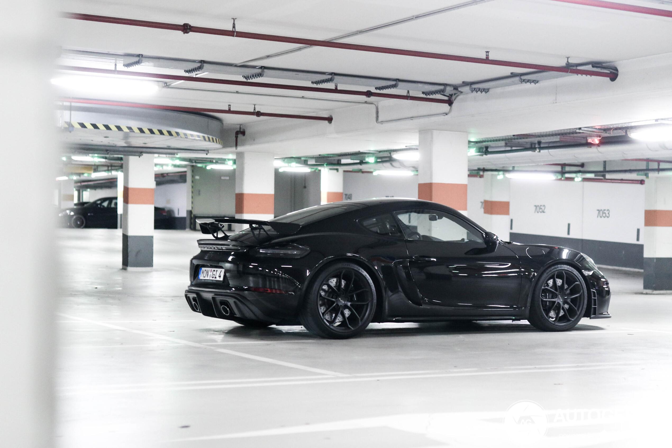 Heerlijke plaatjes van Porsche Cayman GT4