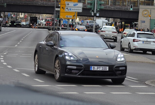 Porsche 971 Panamera Turbo Executive