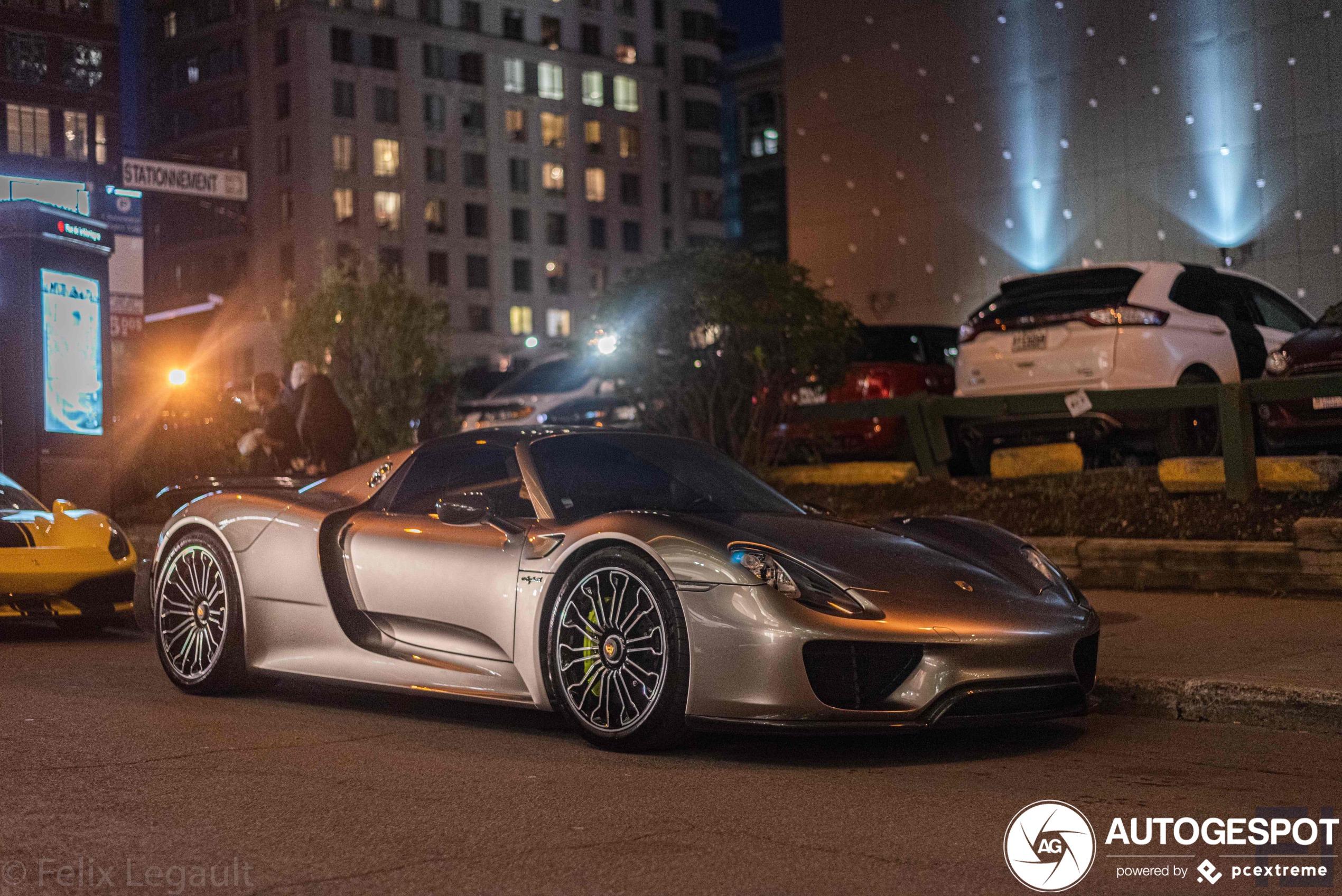 Lekkere combo in Westmount met Porsche 918 Spyder in hoofdrol