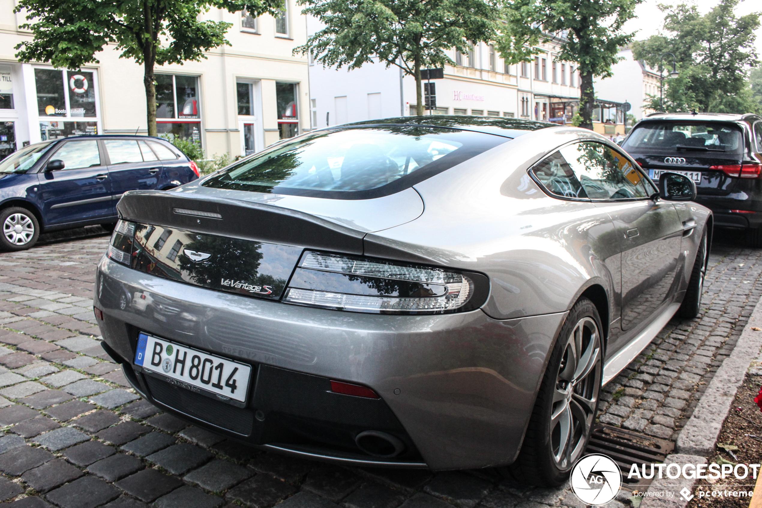 Aston Martin V12 Vantage S 3 April 2020 Autogespot
