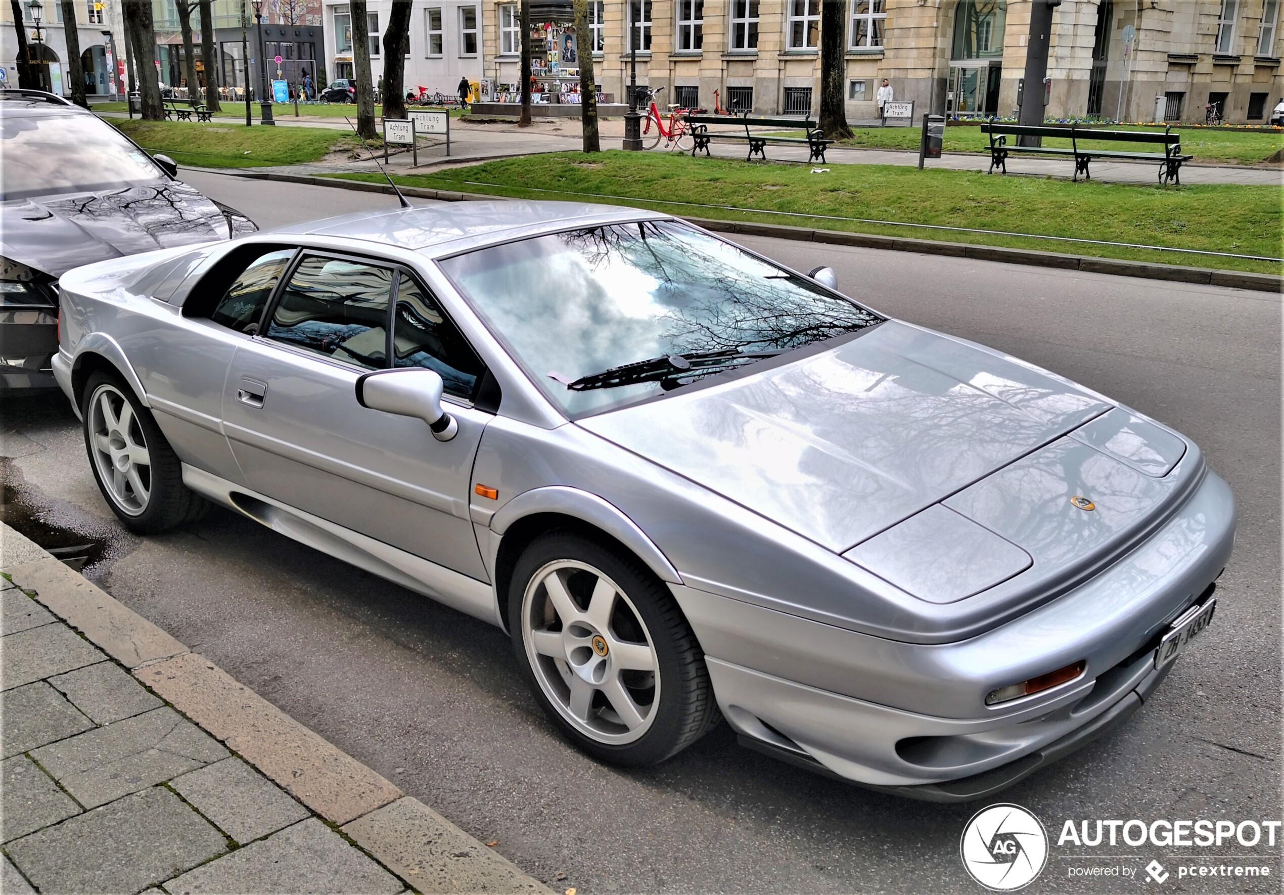 Lotus Esprit V8 GT - 3 April 2020 - Autogespot