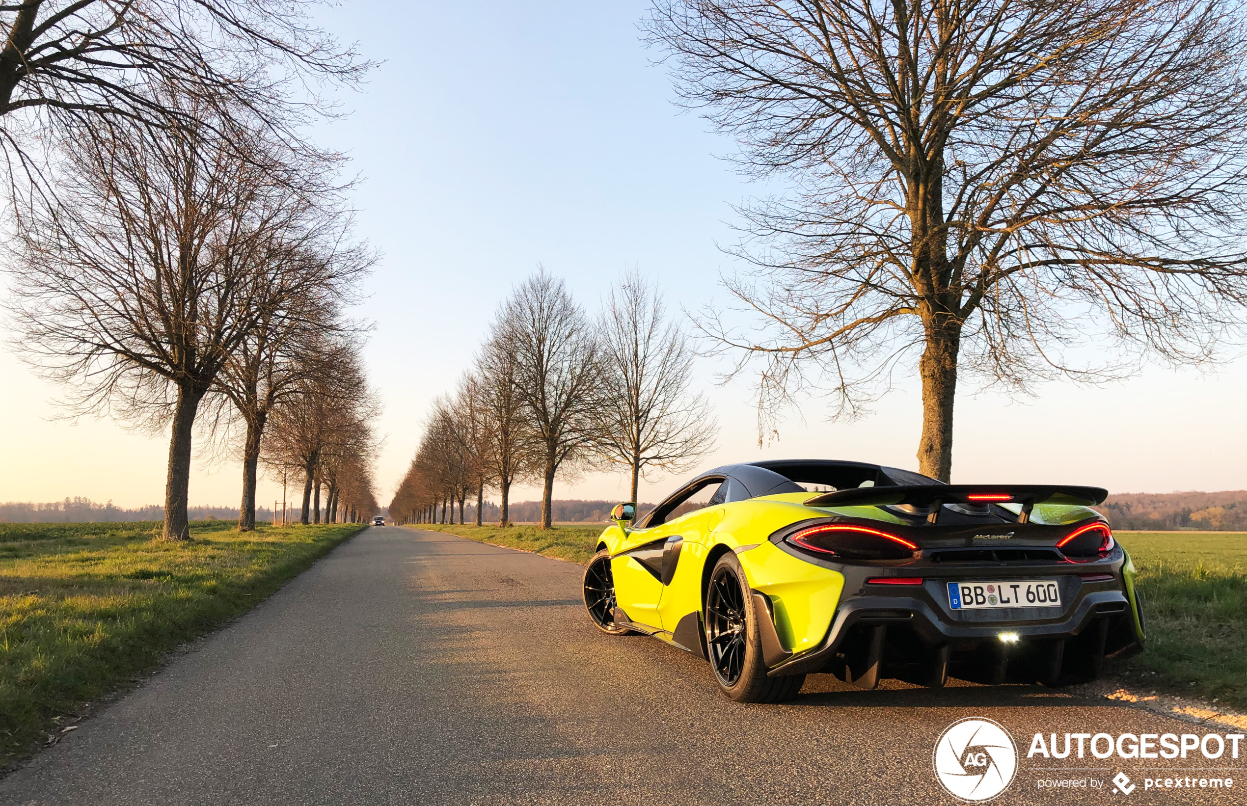 McLaren 600LT Spider doet het lekker in het zonnetje
