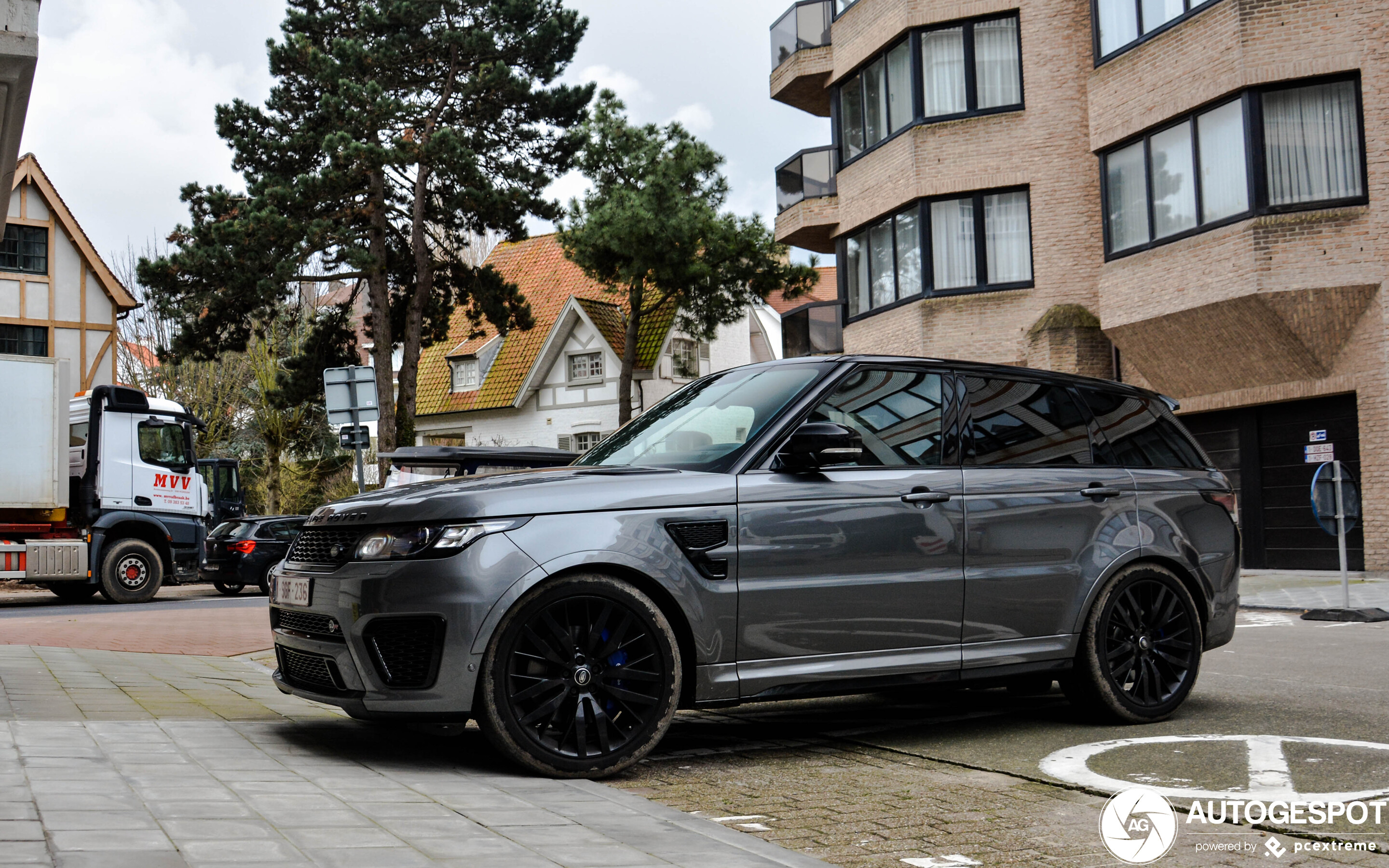 Land Rover Range Rover Sport SVR