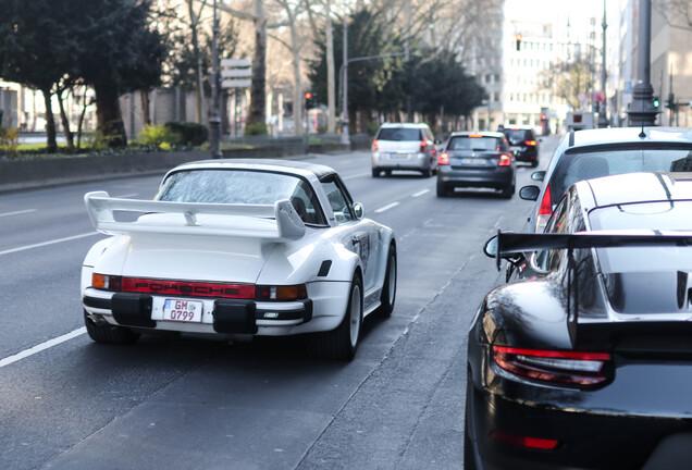 Porsche 930 Targa Flatnose