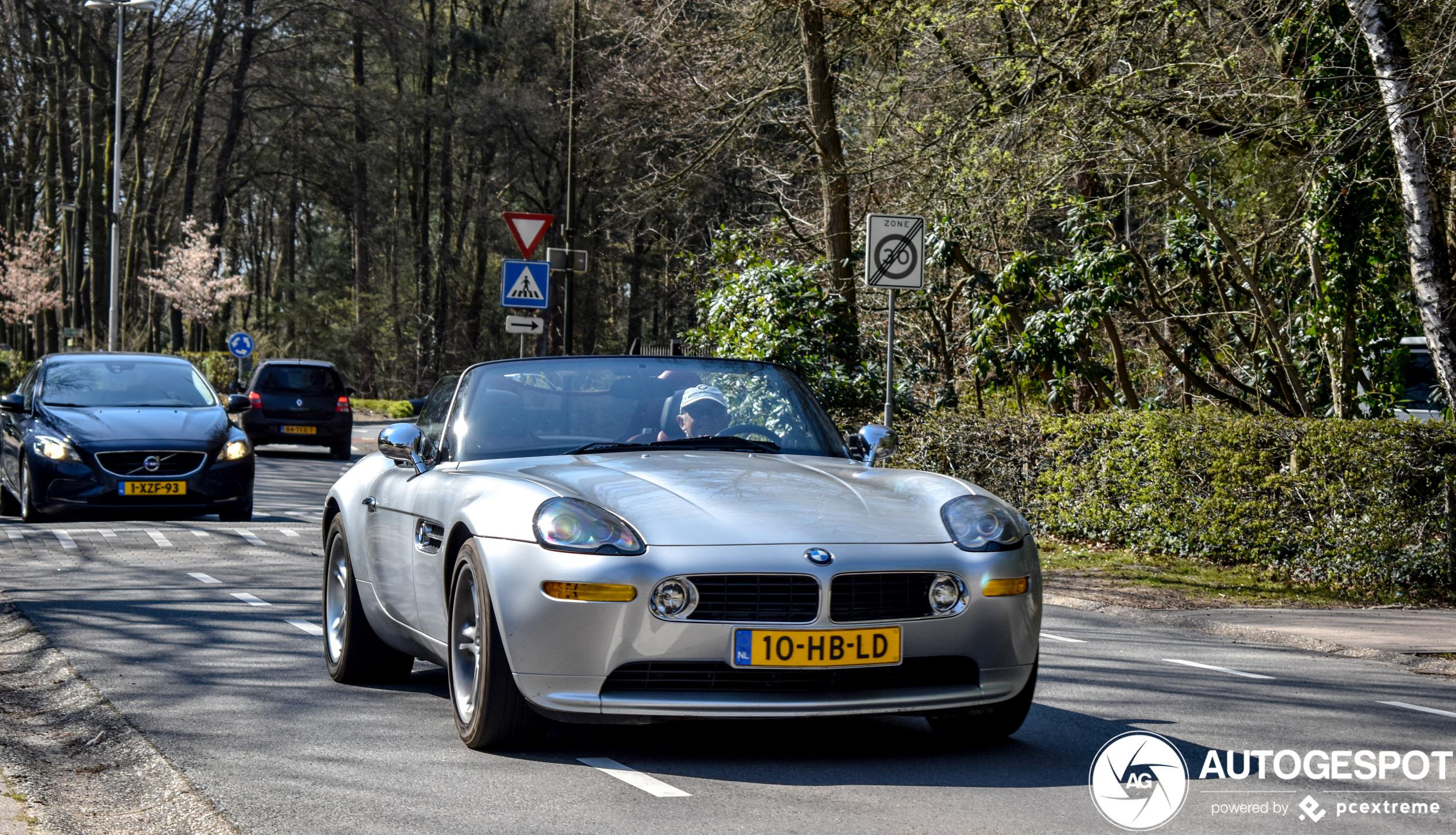 BMW Z8 mag de oude beentjes even strekken