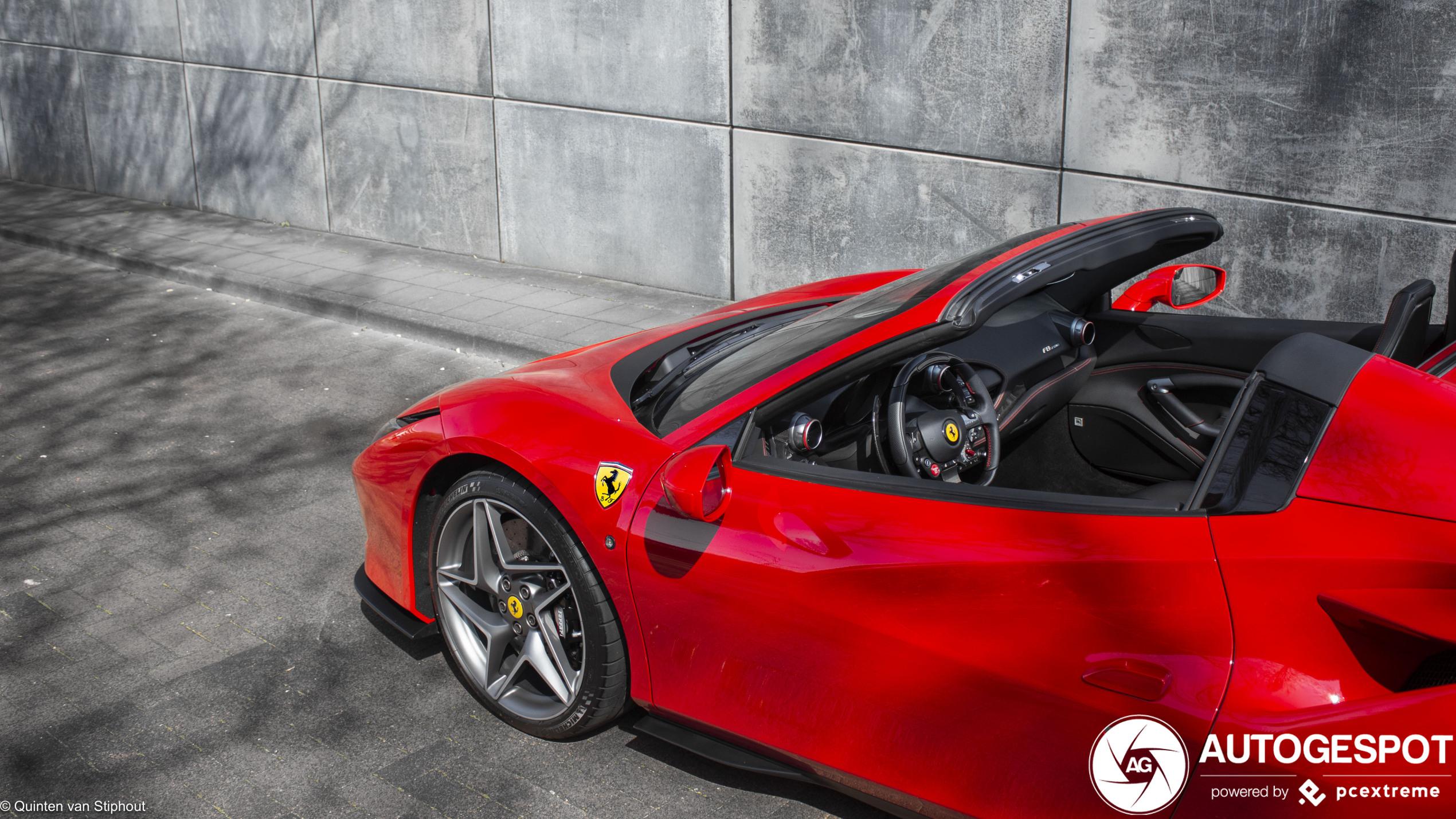 Primeur! Ferrari F8 Spider