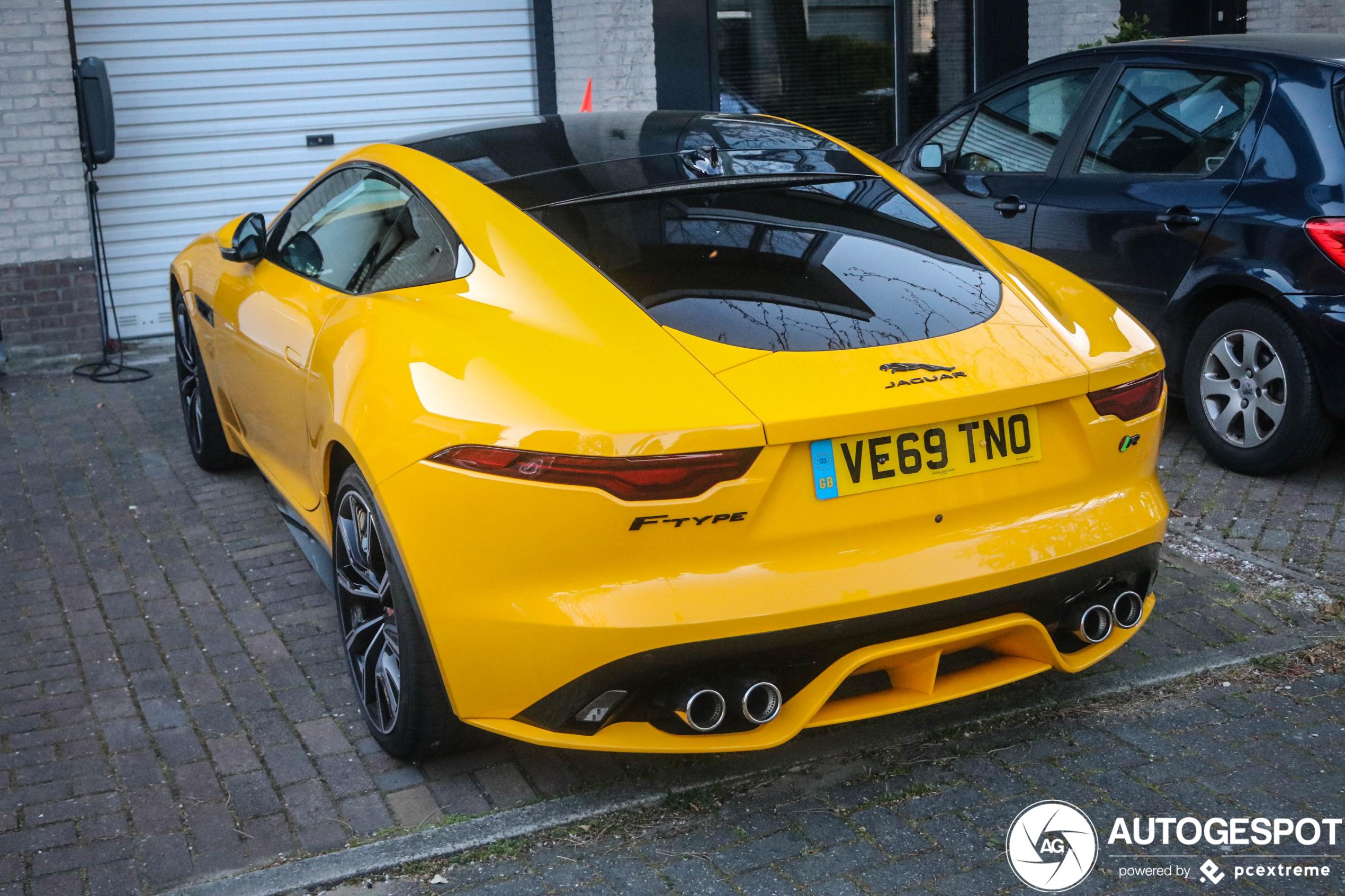 Geel op een Jaguar is niet lelijk