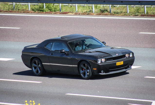 Dodge Challenger SRT-8