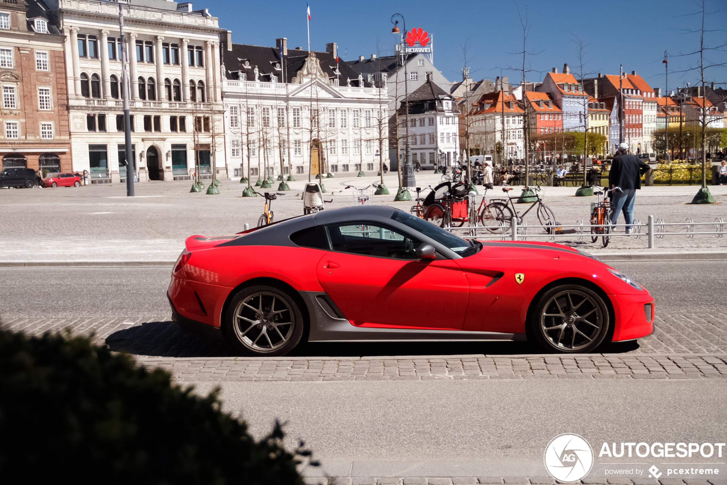 Prachtige Ferrari 599 GTO mag naar buiten in Kopenhagen