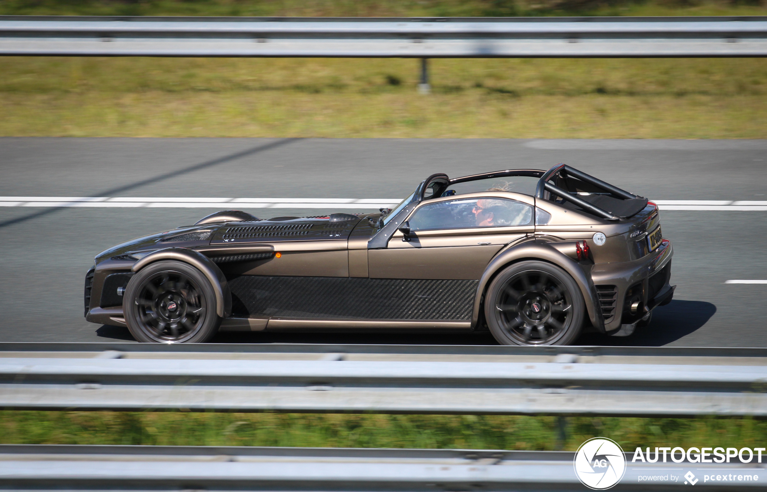 Donkervoort D8 GTO-40 - 23 April 2020 - Autogespot