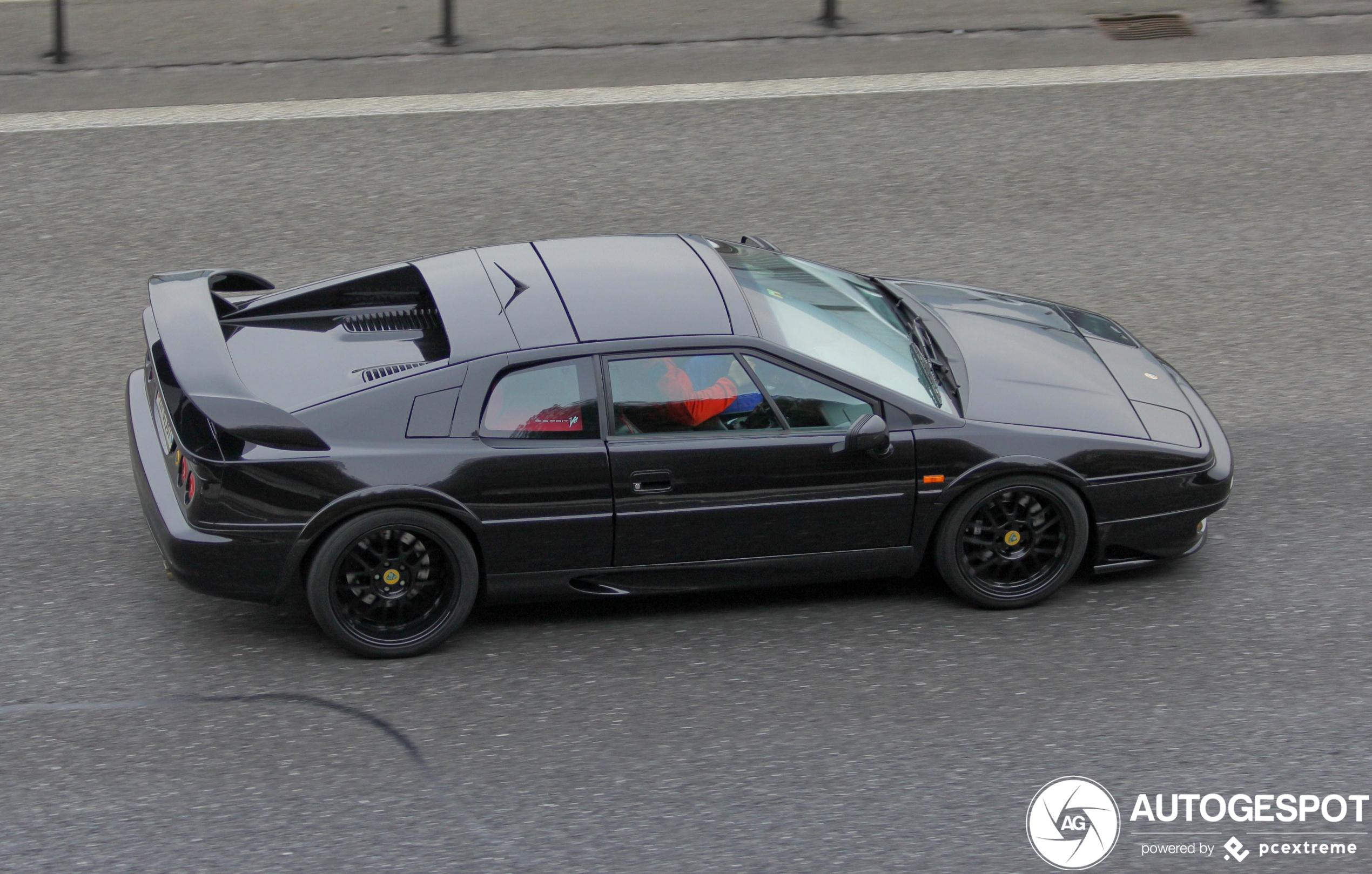 Lotus Esprit V8 - 30 April 2020 - Autogespot