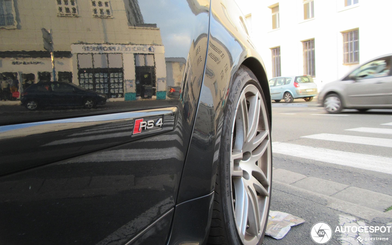Audi RS4 Sedan