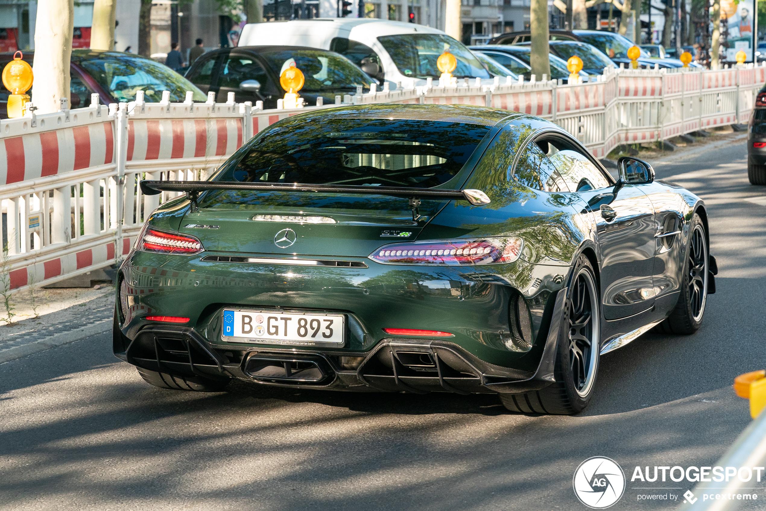 Mercedes-AMG GT R Pro gaat voor donkergroen