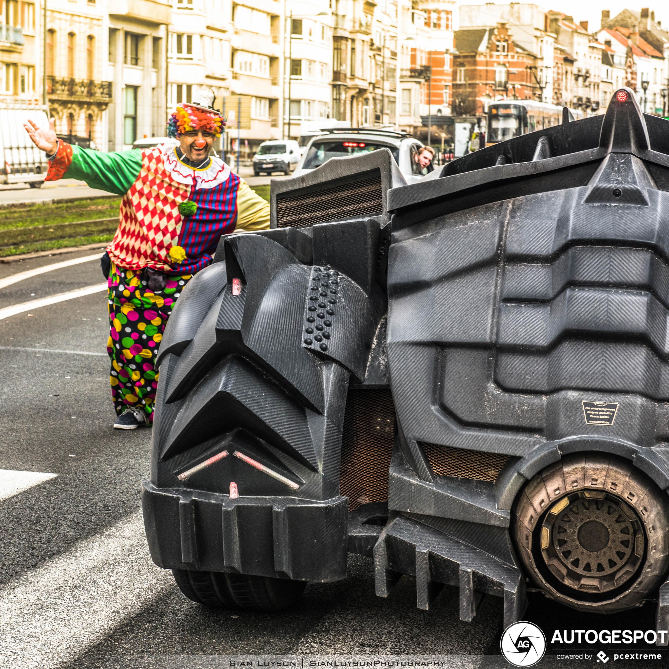 Batmobile by Team Galag gespot door België heen