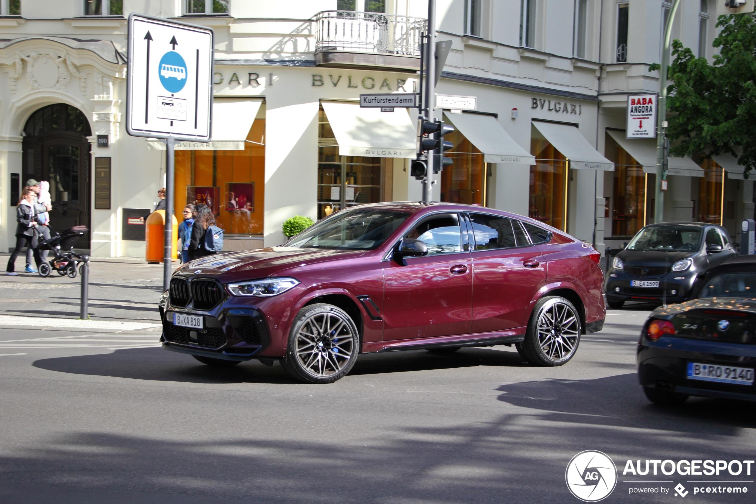 BMW X6 M Competition ziet er lekker uit op straat
