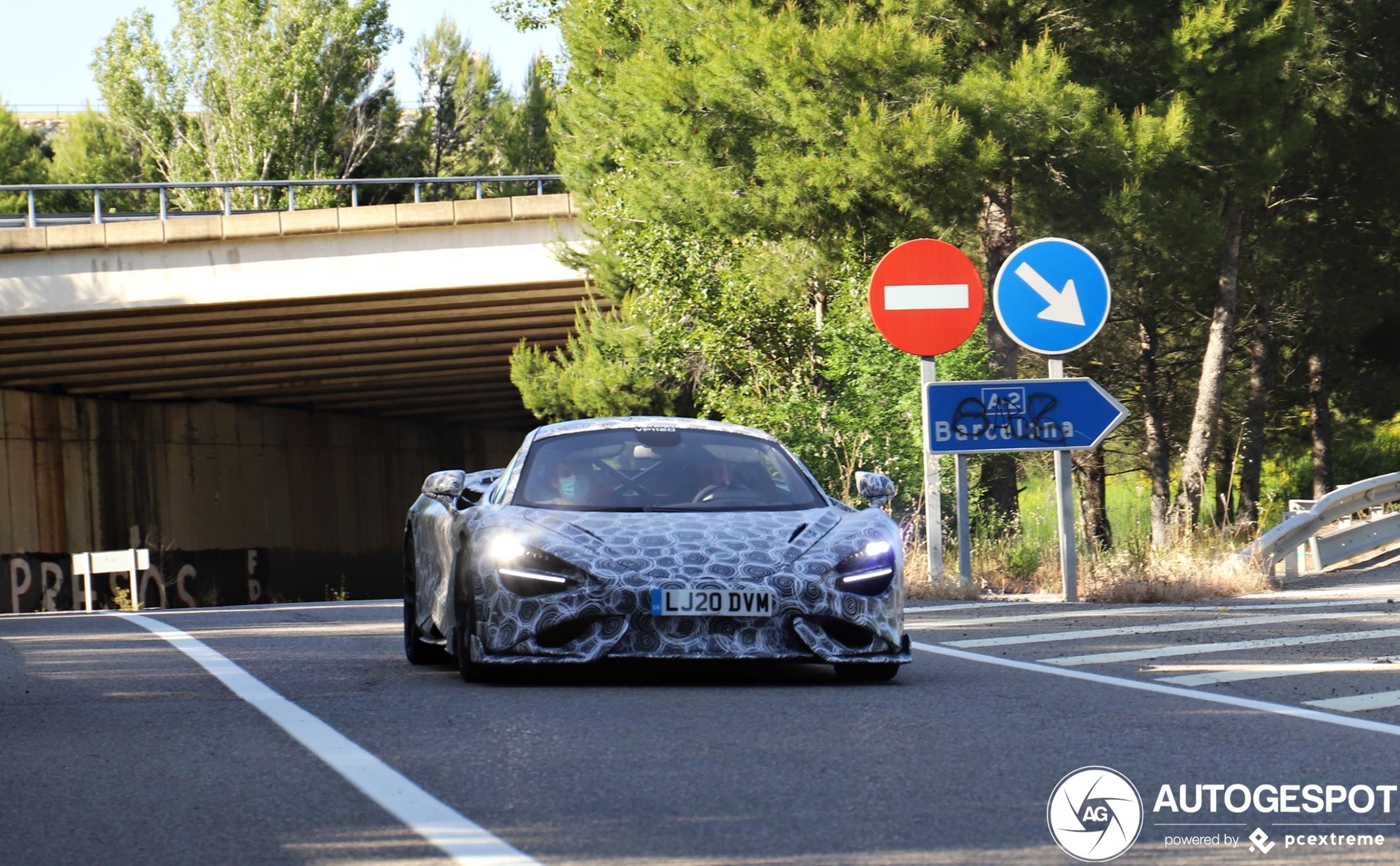 McLaren 765LT mag nog niet zonder camouflage de weg op