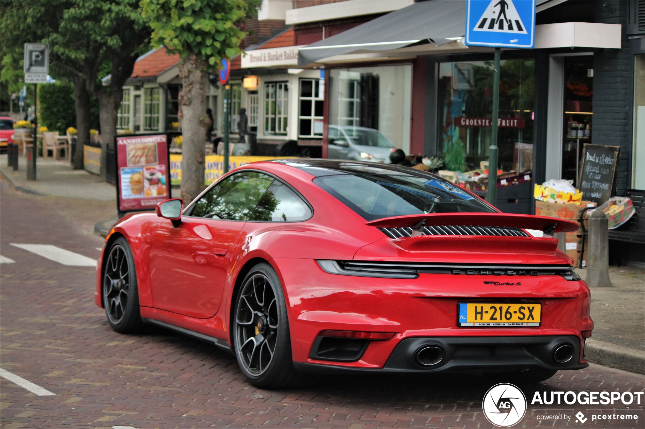 De stormvloed van Porsches 992 Turbo S is nabij