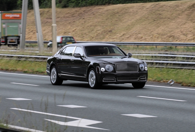 Bentley Mulsanne EWB 2016