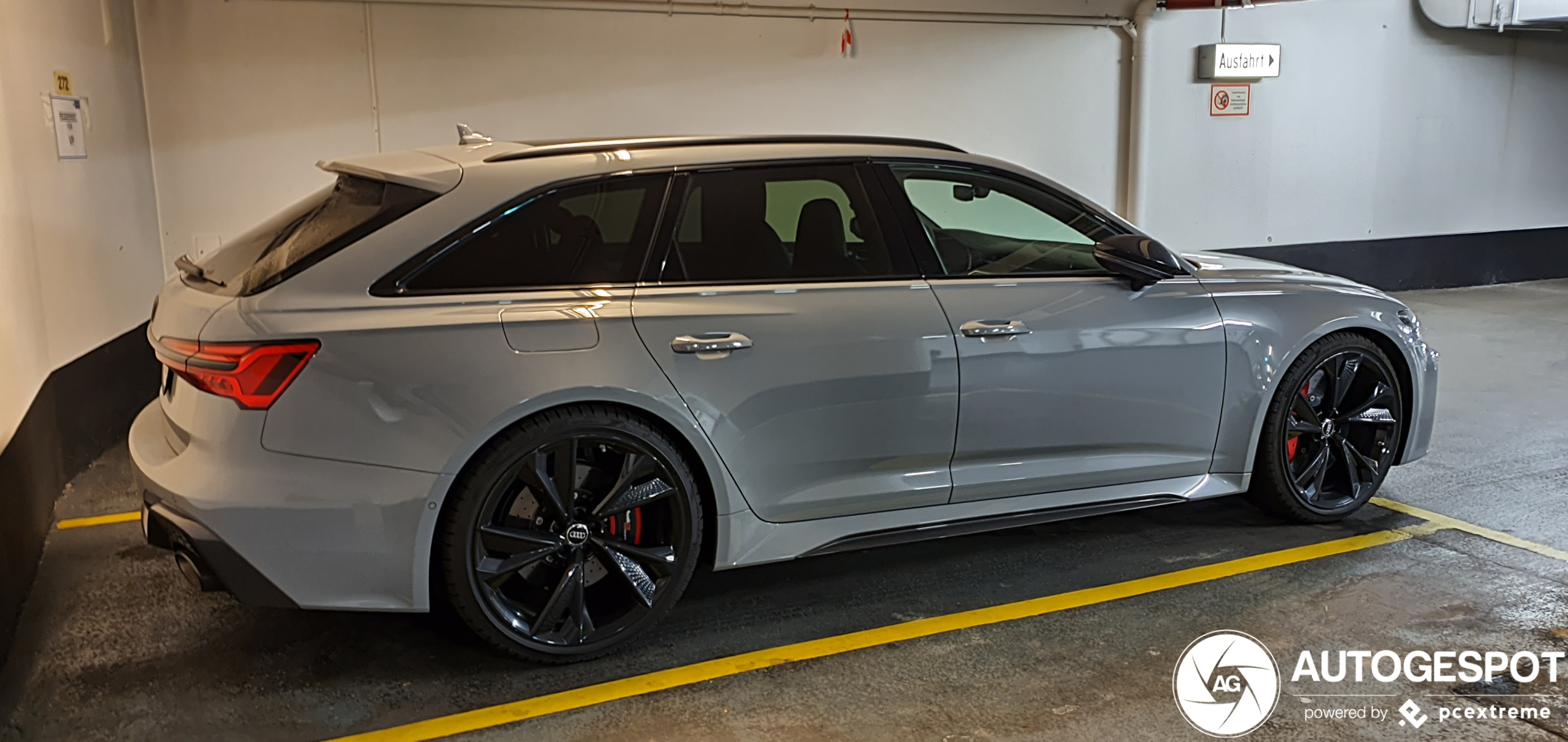 Audi RS6 Avant C8 - 29 May 2020 - Autogespot