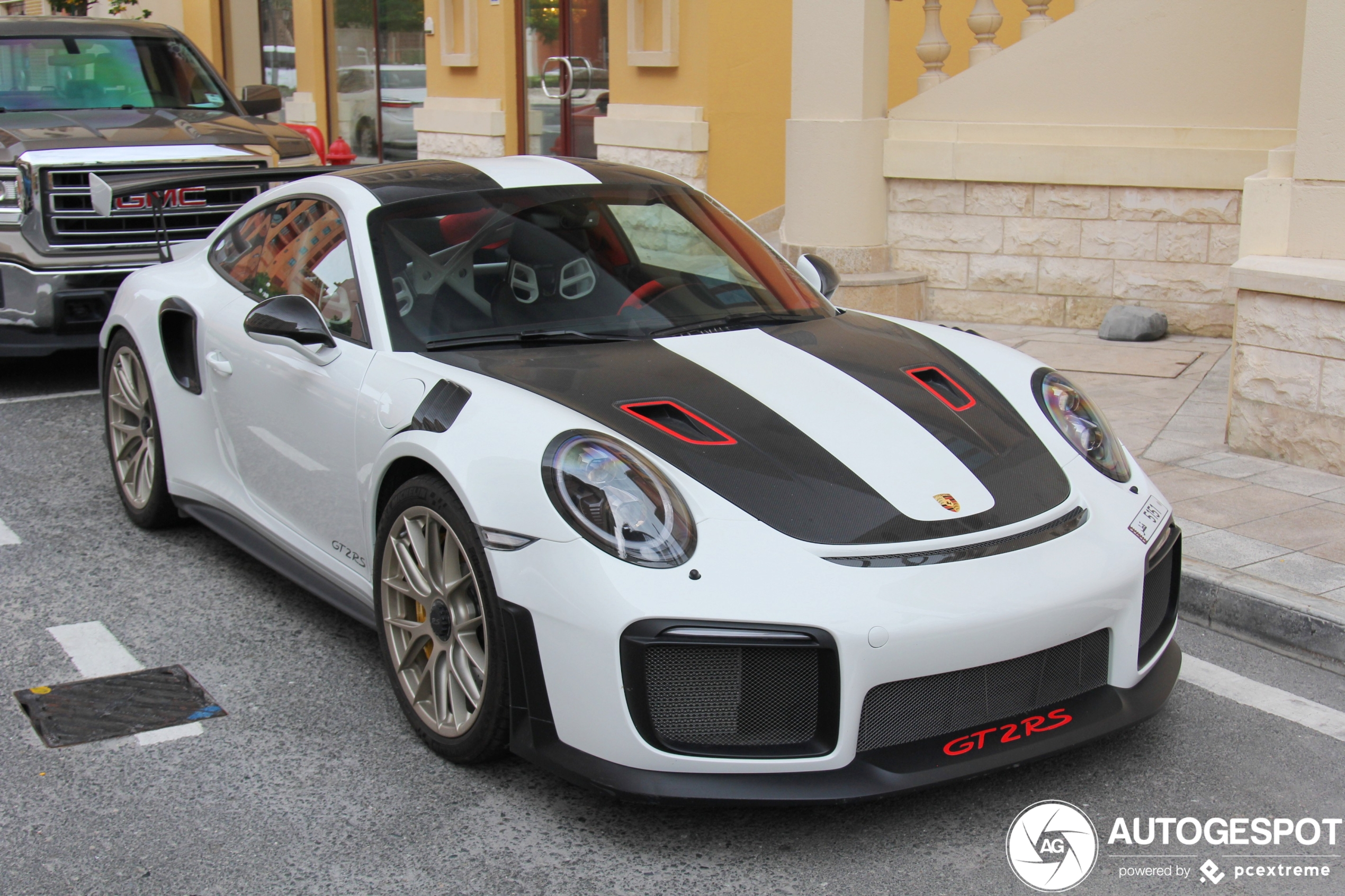 Rode details maken Porsche 991 GT2 RS perfect