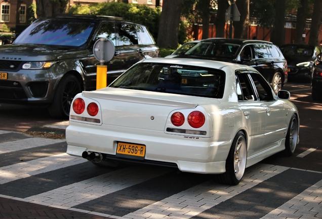 Nissan Skyline R34 Sedan