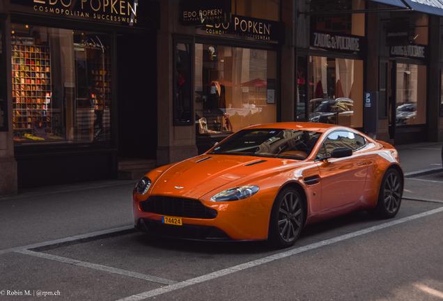 Aston Martin V8 Vantage 2012