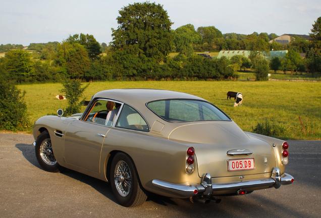 Aston MartinDB5