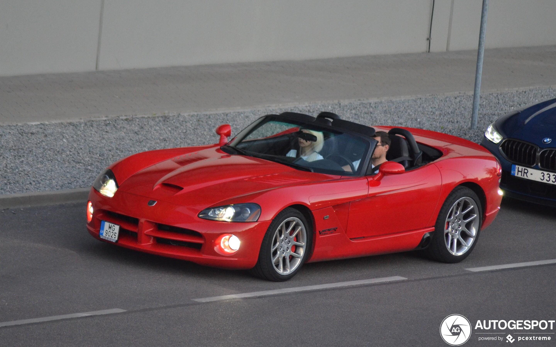 2020 Dodge Viper Roadster Engine