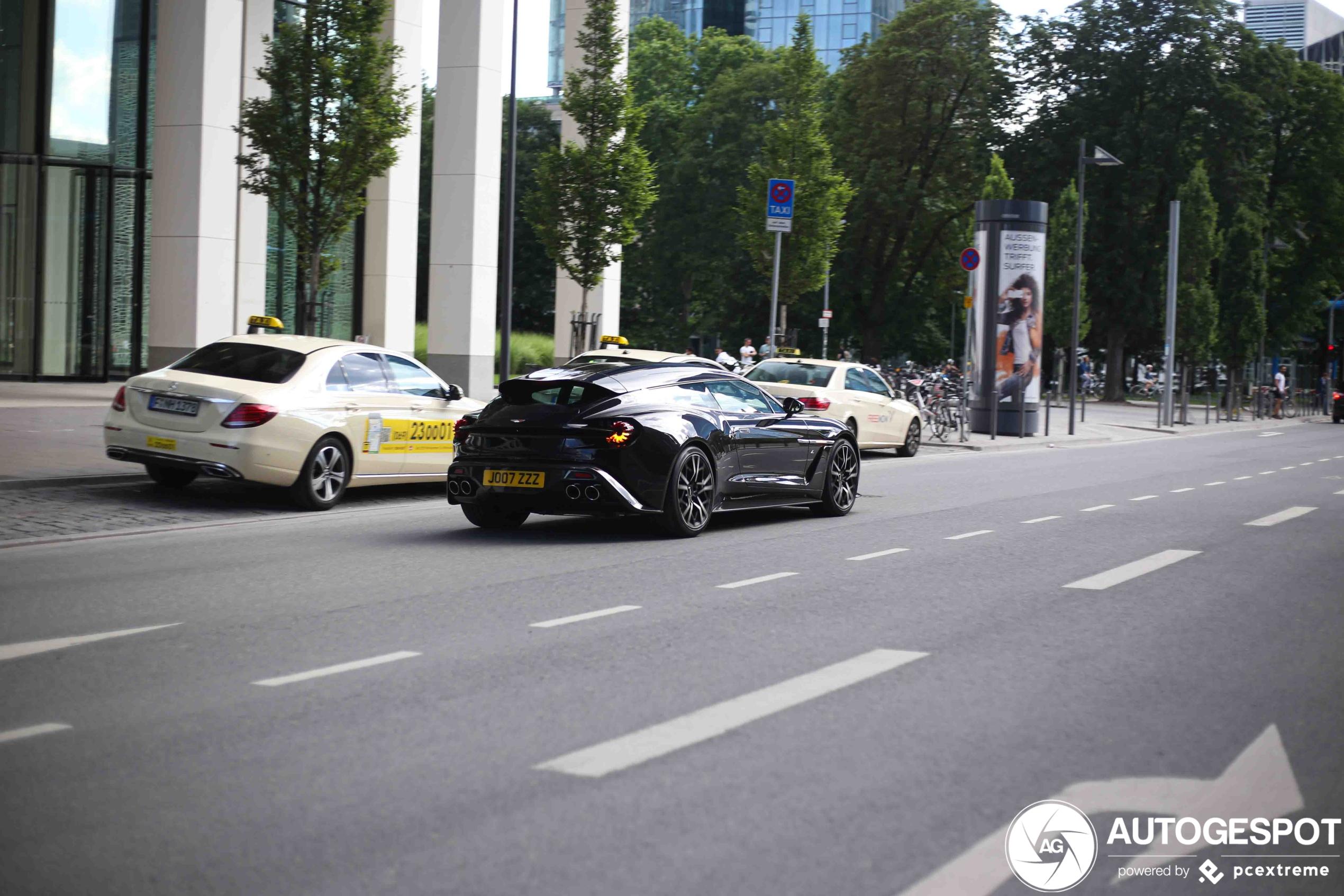 Eindelijk weer een Aston Martin Vanquish Zagato Shooting Brake gespot