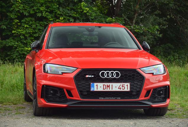 Audi RS4 Avant B9