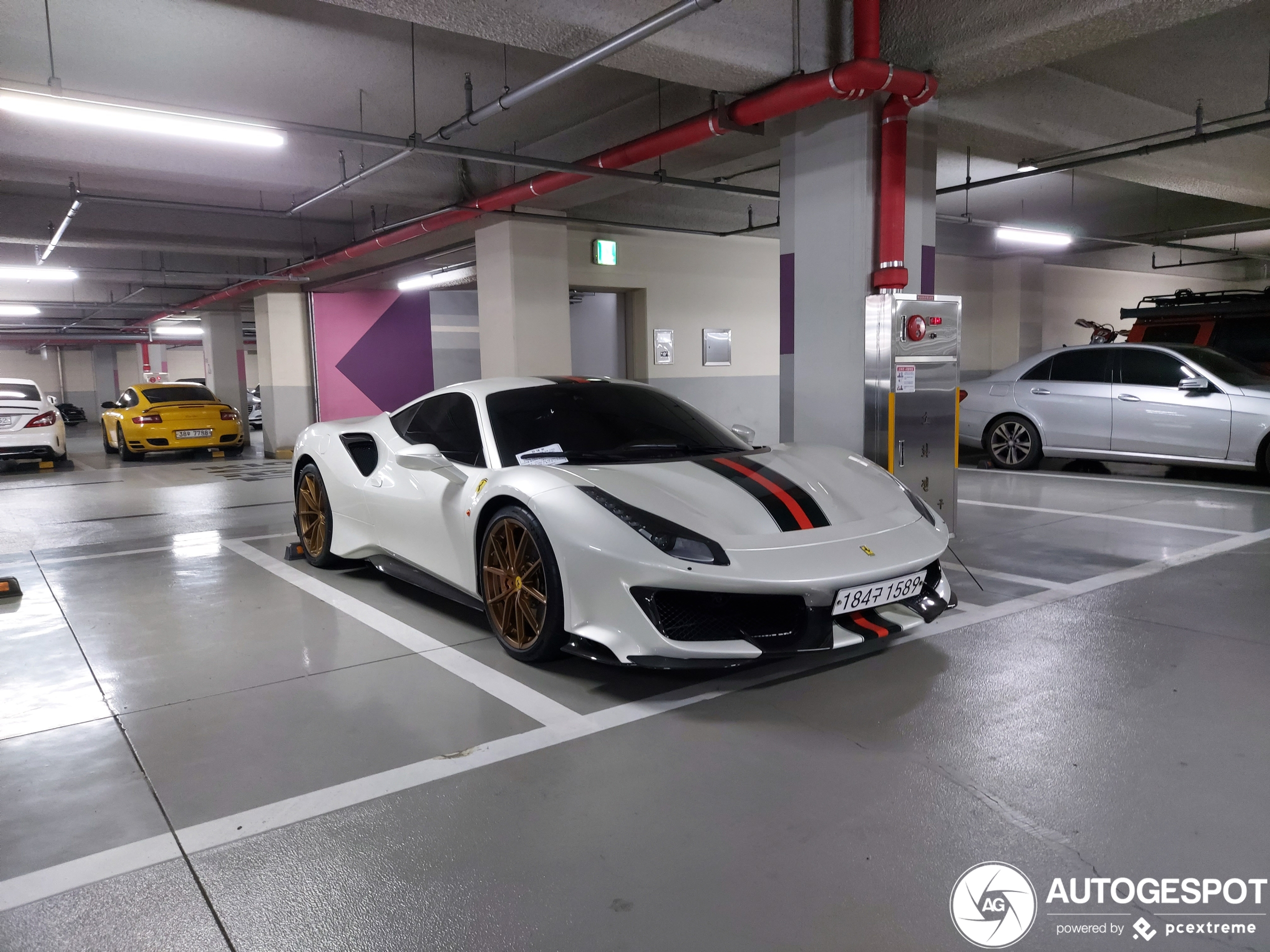 A new bunch of 488 Pista's have been added to the site