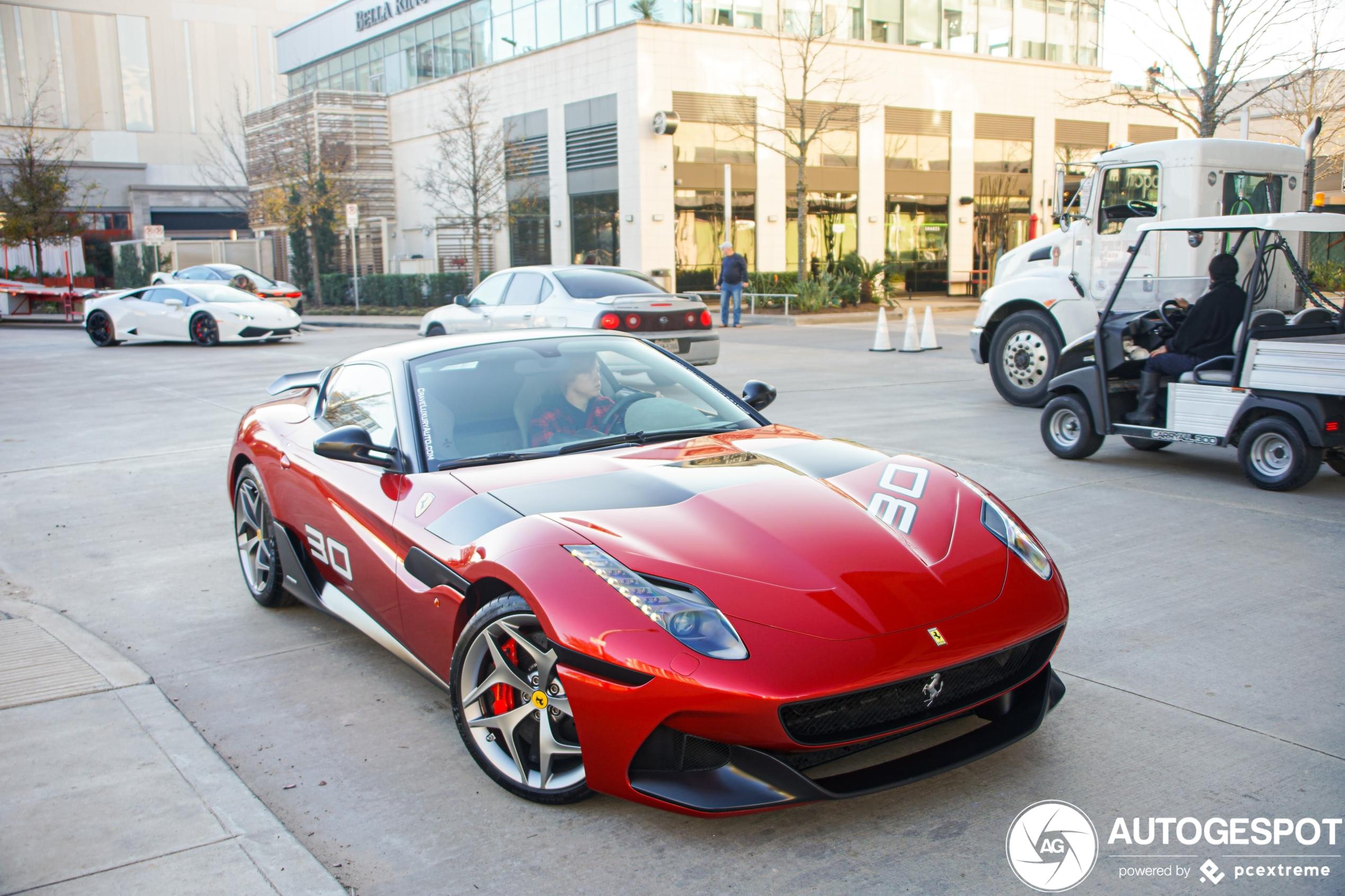 One-off Ferrari SP30 laat zich zien in Houston