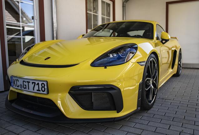 Porsche 718 Cayman GT4