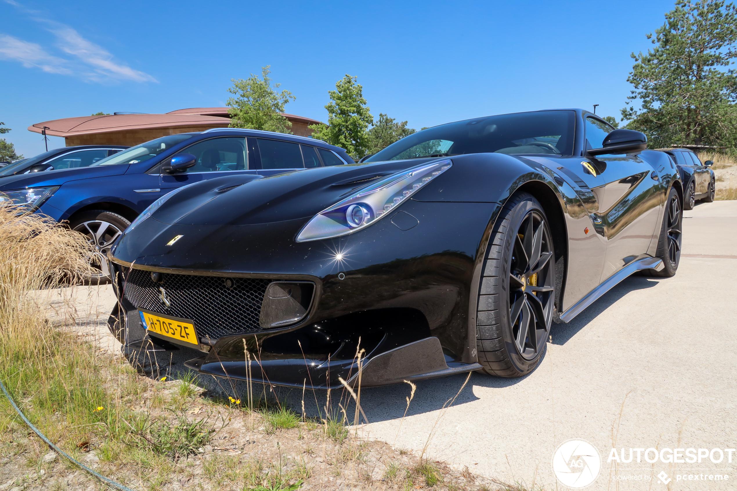 Nederland is weer een Ferrari F12tdf rijker