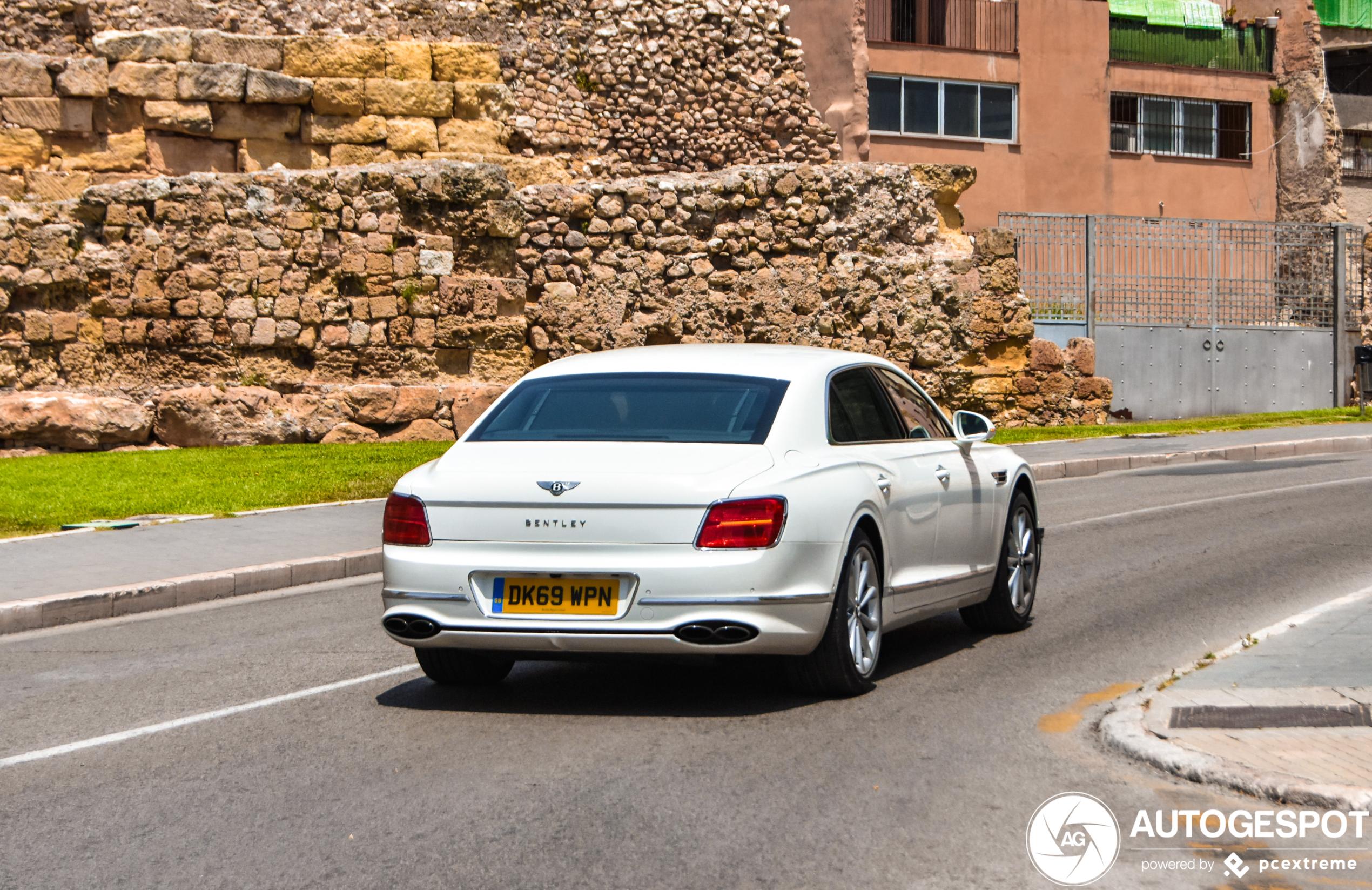 Topspot: de nieuwe Bentley Flying Spur V8!