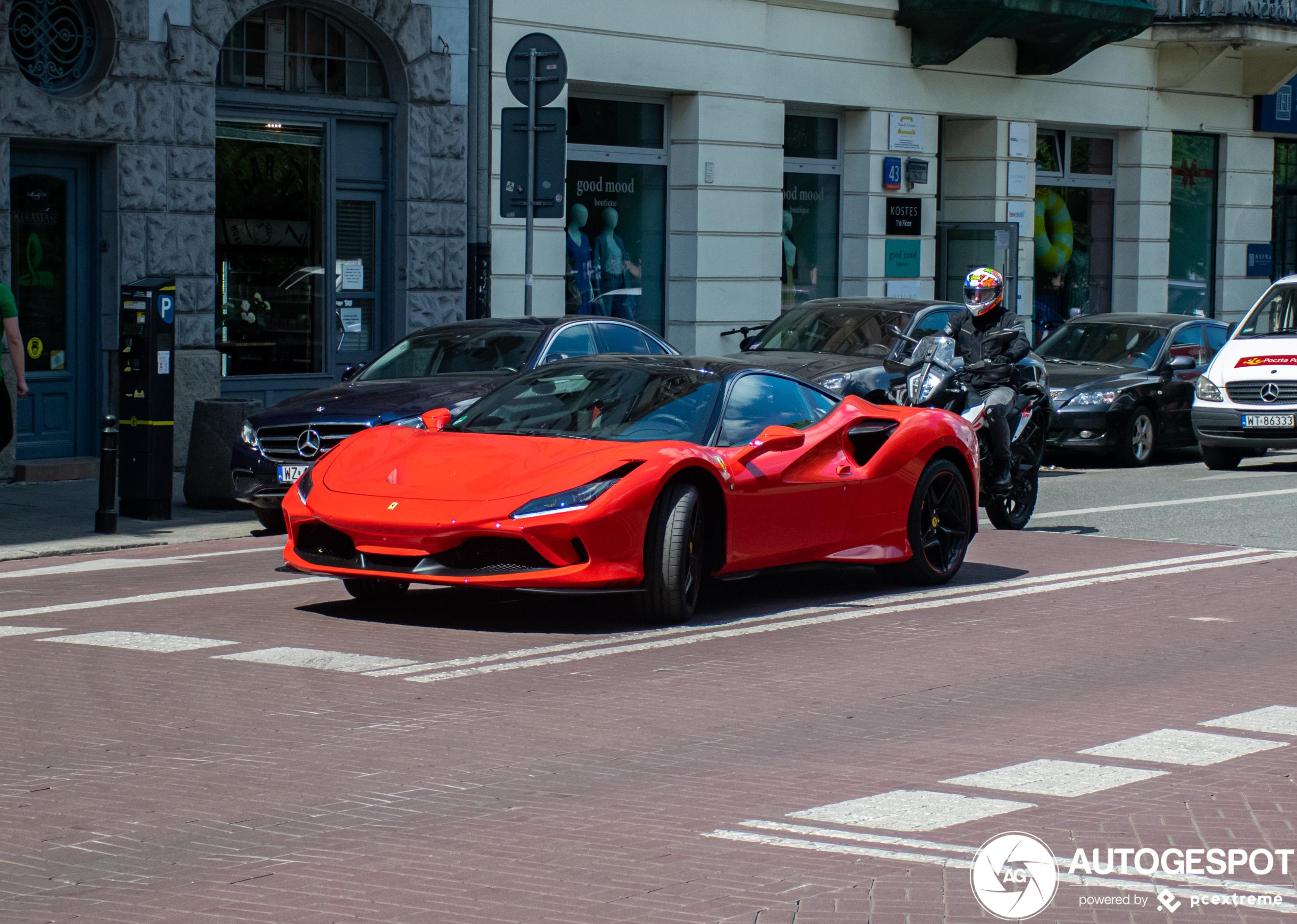Ferrari F8 Tributo kan wel wat lager op zijn pootjes staan
