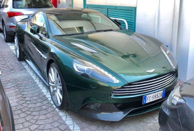 Aston MartinVanquish 2013