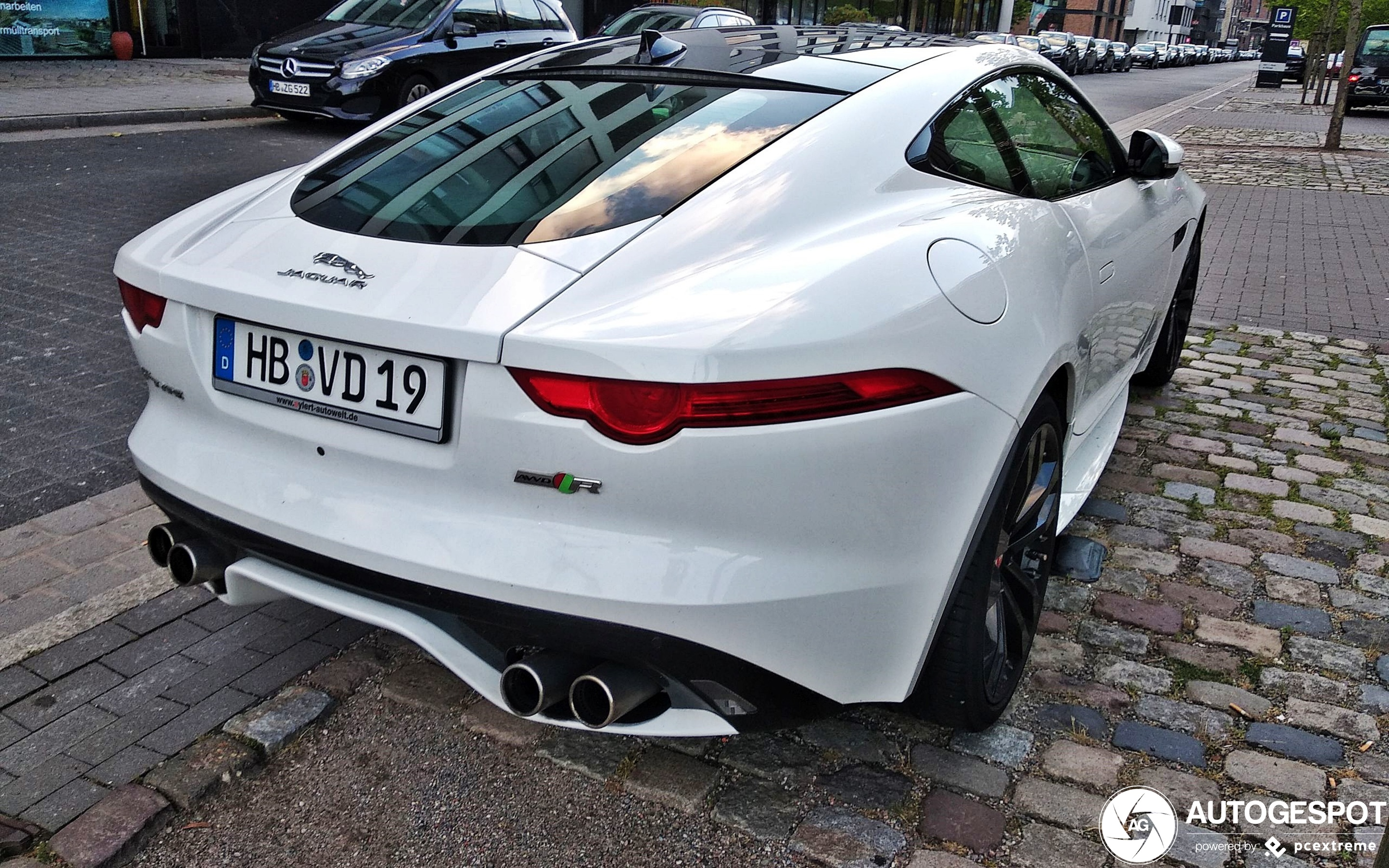 Jaguar F-TYPE R AWD Coupé
